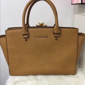 Handbags - 💕michael kors 💕